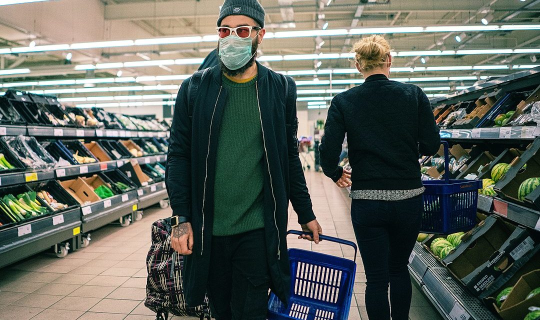 1080px-Coronavirus_COVID-19_face_mask_in_supermarket-1080x640